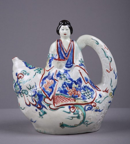 Porcelain & Faience  - Japanese Kamiemon teapot circa 1670 - 1690