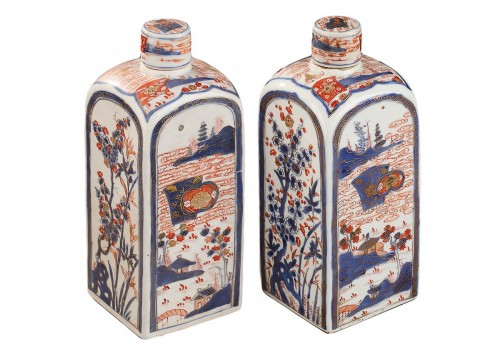 CHINA : Pair of bottles for tea. Early 18th century