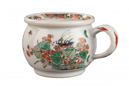 China Chamber pot. Kangxi (1662 - 1722)