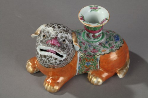 Incent stick holder in the shape of dogs. Canton 19th century -