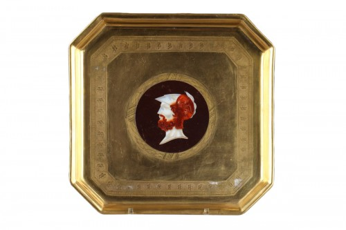Paris porcelain tray attributed to Dagoty. Early