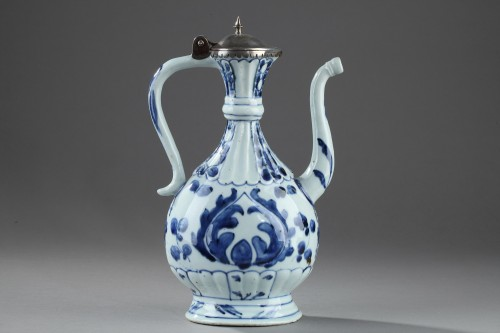 Chinese blue and white ewer for the Islamic market. Kangxi (1662 - 1722) - Porcelain & Faience Style