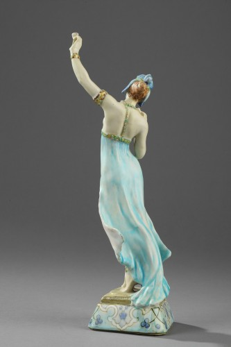 A Lachenal figure of a woman dancing. Circa 1890 - 1900 - Porcelain & Faience Style