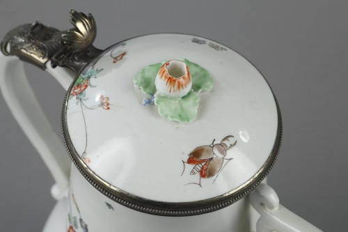 Antiquités - Soft paste jug and cover Chantilly 18th century
