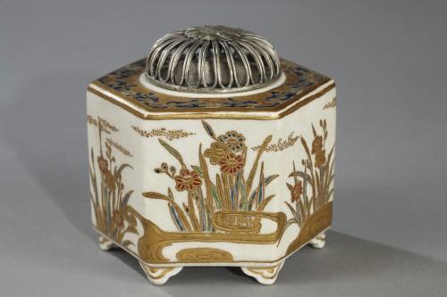 19th century - Incense burner, Satsuma, Japan 19th century