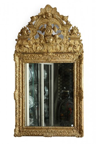 17th Century French Carved and Giltwood Wall Mirror