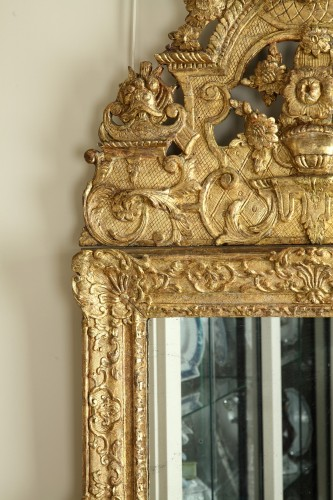 17th Century French Carved and Giltwood Wall Mirror -