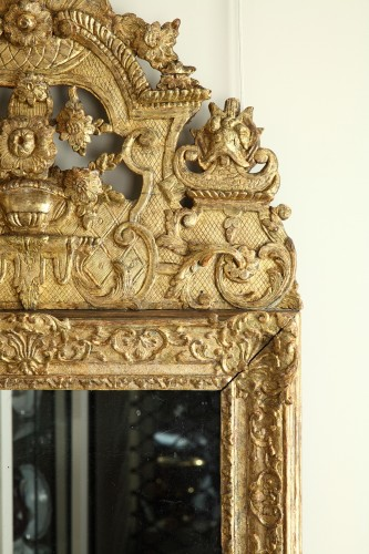 17th Century French Carved and Giltwood Wall Mirror - Louis XIV