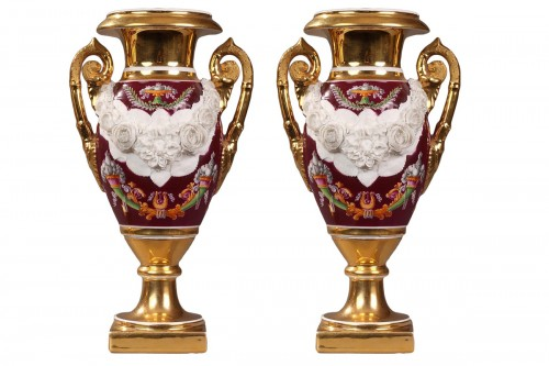 Paris Porcelaine, pair of vases circa 1810