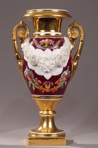 Paris Porcelaine, pair of vases circa 1810 - Empire