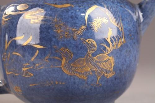 CHINA : Powder blue teapot. Kangxi (1662 - 1722) - Porcelain & Faience Style