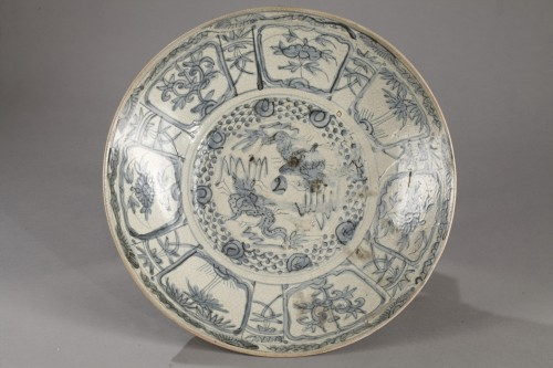 Swatow dish, China early 17th century - Porcelain & Faience Style