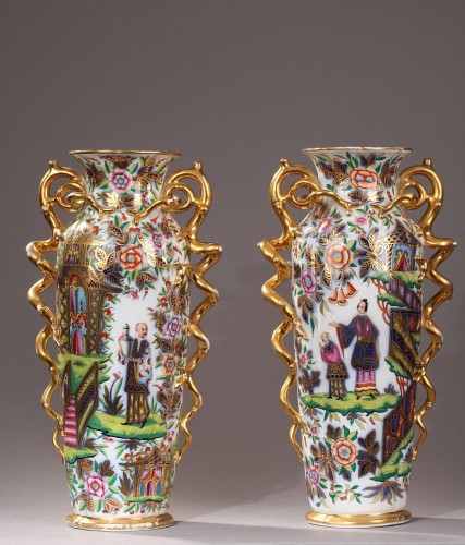 Pair of 19th century Bayeux polychrome enamel vases - Porcelain & Faience Style