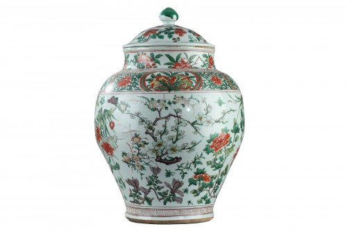 Large Chinese jar and cover, Shunzhi period (1644 - 1661)