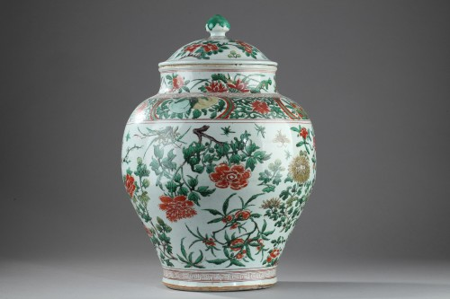 17th century - Large Chinese jar and cover, Shunzhi period (1644 - 1661)