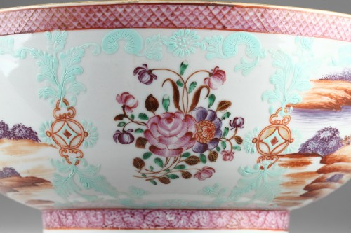 CHINA : 18th century, export bowl - Porcelain & Faience Style