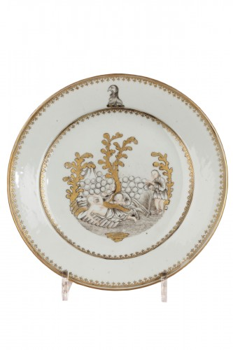 CHINA : Qianlong Scottish Family Armorial plate. 18th century