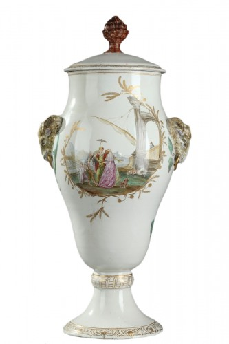 Large faïence vase from Marseille Circa 1750 - 1760