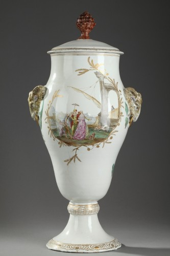 - Large faïence vase from Marseille Circa 1750 - 1760