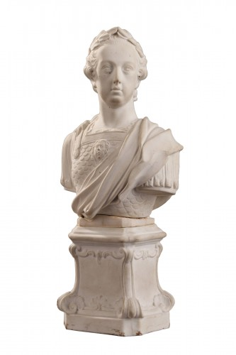 MENNECY : 18th century. Biscuit, soft paste bust of Louis XV.