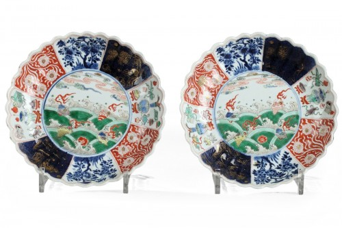 Pair of saucer dishes China Kangxi period 1662 - 1722