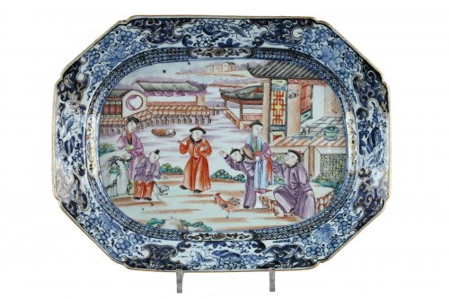 CHINA : Qianlong rectangular dish . 18th century