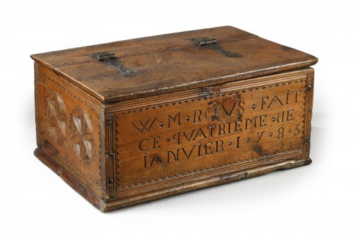 Queyras (France) larch wood box, circa 1783