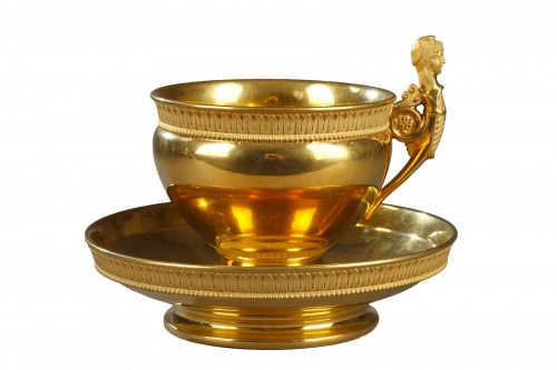Large cup and saucer, Nast manufacture in Paris. Early 19th century