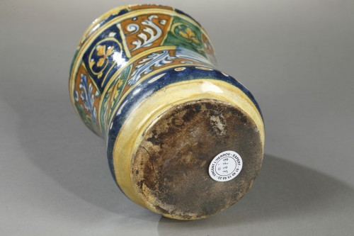 Porcelain & Faience  - Mid 16th century Albarello, FAENZA, Italy