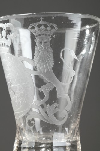 Glass & Crystal  - Dutch glass with the coats of arms of Holland, 18th century