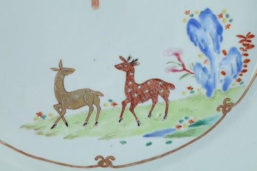 Porcelain & Faience  - Octogonal famille rose dish, China, Qianlong period 1736 - 1795