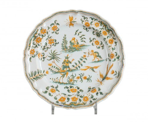 Moustiers faïence plate, circa 1750