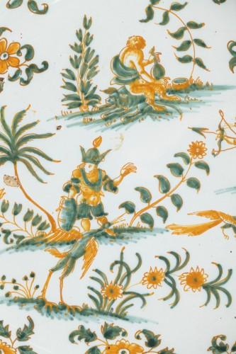 Moustiers faïence plate, circa 1750 - Porcelain & Faience Style