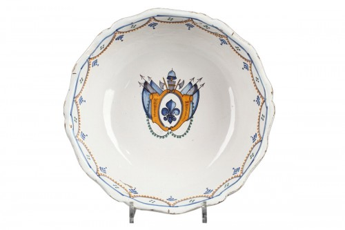 Nevers faience bowl, end of 18th century