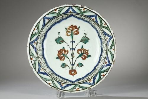 Early 17th century Isnik (Anatolie, Turkey) dish - Porcelain & Faience Style