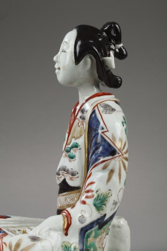 Porcelain & Faience  - Inkwell in the shape of a BIJin. Japan GENROKU Period 1688 – 1704