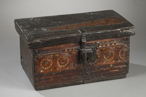 15th century wooden box from Grenada, Spain - Curiosities Style