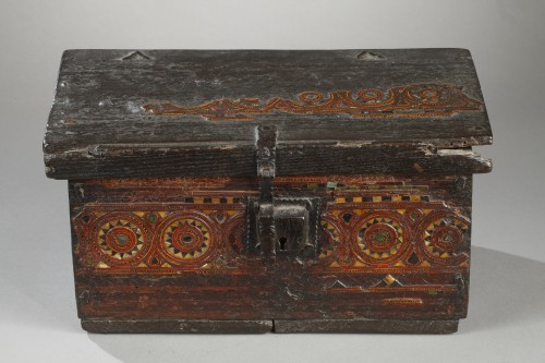 Curiosities  - 15th century wooden box from Grenada, Spain