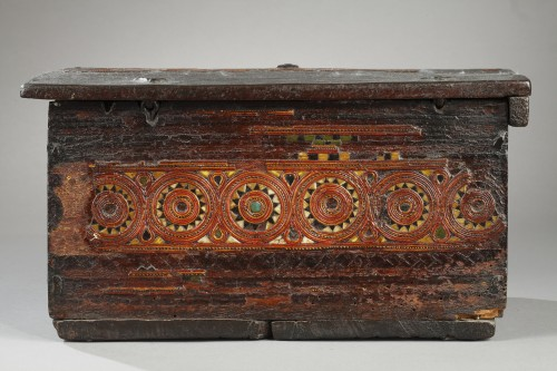 16th century - 15th century wooden box from Grenada, Spain