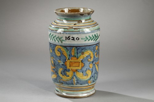 Albarello from DERUTA, first quarter of 17th century - Porcelain & Faience Style