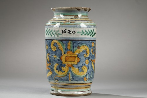 Porcelain & Faience  - Albarello from DERUTA, first quarter of 17th century