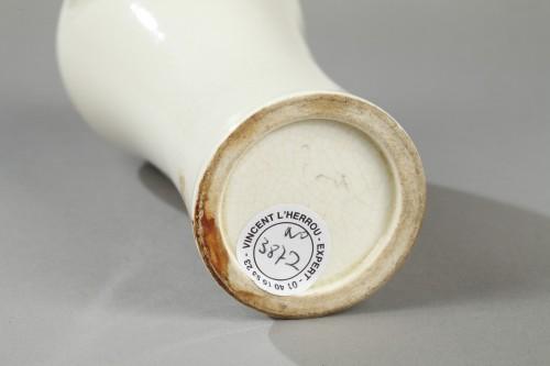 Soft paste vase, China, 18th century - Porcelain & Faience Style