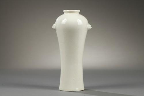 Antiquités - Soft paste vase, China, 18th century