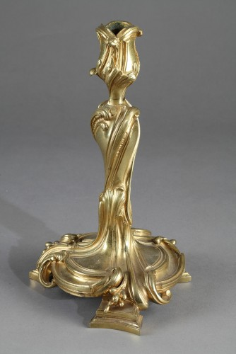 18th century - Large pair of candlesticks in bronze. 18th century
