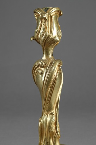 Large pair of candlesticks in bronze. 18th century - Louis XV