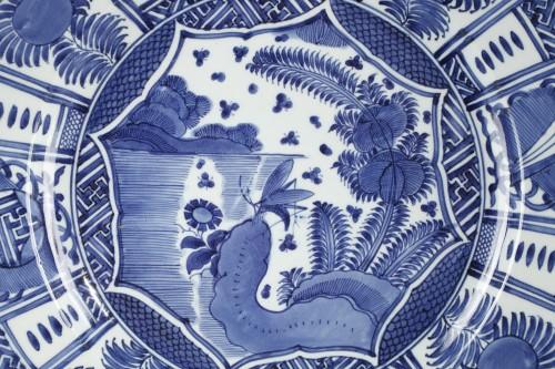 Large Kraak dish, Japan circa 1660 - 1680 -