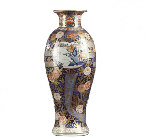 Large Japanese porcelain vase Second half of 17th century