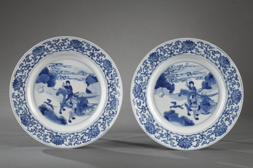 - Two hunting scenes plates. China. Kangxi period 1662 - 1722