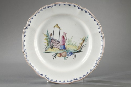 Pair of faience plates from Sceaux, end of 18th century - Porcelain & Faience Style
