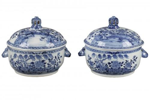 Pair of chinese porcelain tureens, Qianlong 1736 - 1795